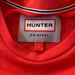 Hunter Tops - HUNTER crewneck